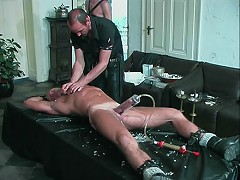 Pumped slaves body is flogged by his masters
